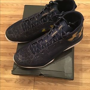 Men's Under Armour TB Fire Shot Basketball Shoes.